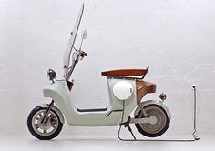 Be.e electric scooter for Van.Eko by waarmakers via theoctopian.com