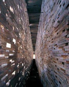 En honor a arquitecto español Antonio Jiménez Torrecillas -fallecido hoy- recordamos esta obra http://pltfr.ma/17hbztX