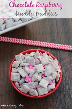 Chocolate Raspberry Muddy Buddies - Whats Cooking Love? Puppy Chow Recipes, Chex Mix Recipes, Snack Recipes, Snacks, Cooking Recipes, Chex Mix Muddy Buddies, Muddy Buddies Recipe, Yummy Treats, Sweet Treats