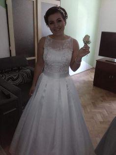 Nevesta Alenka v šatách Berta od anglickej značky HADASSA Lace Weddings, Wedding Dresses, Fashion, Alon Livne Wedding Dresses, Fashion Styles, Weeding Dresses, Wedding Dress, Wedding Dressses, Fashion Illustrations