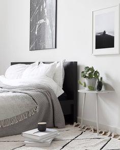 Via / Minimal Bedroom