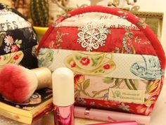Jamie's Hand Made Finished Quilts Classic Red Cosmetic Pouch Girls Secret Pouch Bag Purse-P4
