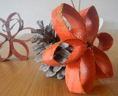 Decorazioni Natalizie: Stelle di Natale da riciclo Rotoli di Cartone di Mamma Vio'