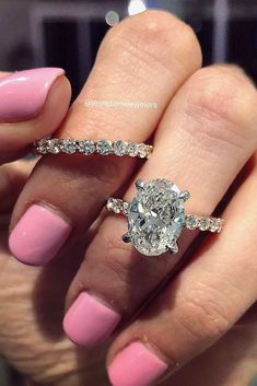 39 Great Bands And Wedding Rings For Women That Admire ❤️ wedding rings for women solitaire oval cut ❤️ See more: http://www.weddingforward.com/wedding-rings-for-women/ #weddingforward #wedding #bride