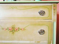 Little sprays of hand-painted roses enhance this vintage chest of drawers. Do on small children's table Furniture Board, Furniture Repair, Furniture Makeover, Painting Furniture, Romantic Cottage, Cottage Chic, Floral Painted Furniture, French Inspired Bedroom, Vintage Chest Of Drawers