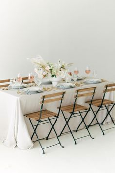 Get the look for your small wedding with simple tablescapes and reusable flowers at Afloral.com. Image by @ruffledblog #fakeflowers #microwedding #covidwedding Diy Wedding Flowers, Diy Wedding Decorations, Modern Minimalist Wedding, Silk And Willow, Pastel Room, Bistro Chairs, Flower Food, Ceremony Backdrop, Wedding Reception