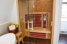 Wie wär's mit einer Hotelsuite mit Sauna?  ...  #sauna #hotelsuite #loipersdorf #thermenhotel