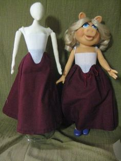 historical sewing tutorial Why the Same Waist Curve Doesn't Work for Every Body: Change the starting point and angle of the front point, and presto-change-o, you have the same hip line on both dolls.