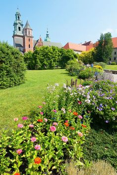 Planning a trip to Krakow? Here are the absolute BEST things to do in Krakow Poland. If you're going to Krakow, you shouldn't miss these! Japan Travel, Poland Travel, Nuremberg Castle, Places To Travel, Places To Visit, Travel Destinations, Visit Krakow, Invasion Of Poland, Krakow Poland