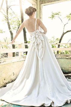A beautiful and eco-friendly wedding dress!