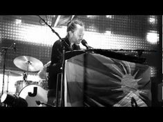 ▶ Radiohead Everything In Its Right Place (Intro Unravel by Bjork) Bercy Paris 2012 - YouTube