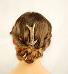 Natural antler hair accessory fork pin bone by HairAroundNature, €35.00