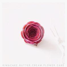 P E O N Y💕#bakingclass#buttercream#cake#baking#wiltoncakes#weddingcake#버터크림케이크#wilton#flowers#buttercake#플라워케이크#wedding#버터크림플라워케이크#specialcake#birthdaycake#flower#플라워케익#rose#디저트#케이크#cupcake#dessert#food#beautiful#부케#bouquet#instacake#꽃스타그램#flowercake#peony @yoon2222222