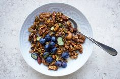This granola ticks all the boxes. Dairy-free, gluten-free, refined-sugar free and so simple you barely need a recipe! Make up a big batch and enjoy for a weight-balancing breakfast, a satiating sna…