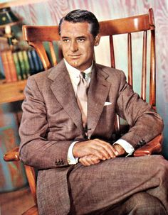 Love this color photo of Cary Grant, so handsome, great dresser & great actor.