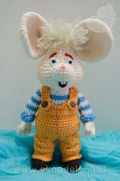 *not a pattern* Crochet Sloth, Crochet Rabbit, Crochet Mouse, Crochet Animals, Crochet Doll Pattern, Crochet Patterns Amigurumi, Crochet Dolls, Knitted Teddy Bear, Crochet Videos