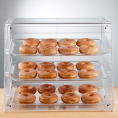 The crystal clear acrylic construction puts your finest bakery treats front and center to help boost product visibility and increase impulse sales. Show off all your tempting pastries in this Choice 3 tray bakery display case! Diy Bakery Display, Pastry Display, Cookie Display, Candy Movie, Bakery Shop Design, Cafe Design, Acrylic Display Case, Home Bakery, Donut Shop