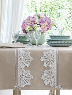 Burlap Tablecloth, Oblong Tablecloth, Linen Placemats, Table Runner And Placemats, Filet Crochet, Diy Crochet, Baby Knitting Patterns, Crochet Patterns, Crochet Edgings