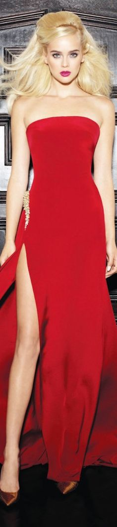 The Millionairess of Pennsylvania: Lorena Sarbu Resort 2014 red gorgeous gown Red Fashion, High Fashion, Womens Fashion, Glamour, Designer Gowns, Look Chic, Shades Of Red, Beautiful Gowns, Lady In Red