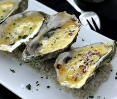 Baked oysters in shells