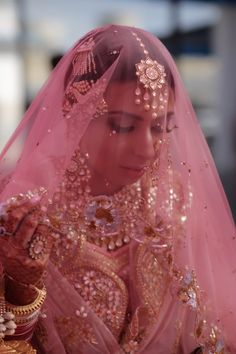 Looking for Bridal Lehenga for your wedding ? Dulhaniyaa curated the list of Best Bridal Wear Store with variety of Bridal Lehenga with their prices Bridal Poses, Bridal Portraits, Punjabi Bride, Punjabi Wedding, Indian Wedding Photos, Indian Bridal Fashion, Royal Brides, Asian Bride, Bridal Photography