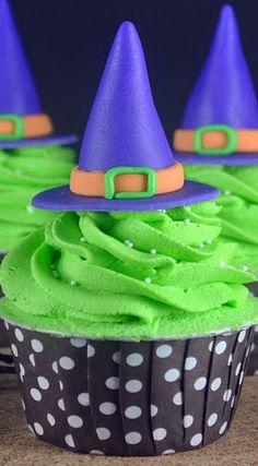 Hexen Cupcakes für den Kindergeburtstag. Passend zur Hexen-Mottoparty.