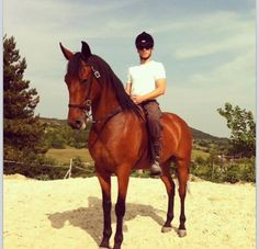 Francois Arnaud horseback  for The Borgais