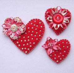 Felt heart brooches