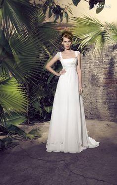 Brautkleider im Empire Stil: Gerader Ausschnitt