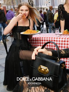 The Dolce&Gabbana Spring Summer 2018 Campaign shot in Venice by The Morelli Brothers. Dolce & Gabbana, Fashion Photo, New Fashion, Spring Fashion, Fashion Brands, Fashion Advertising, Advertising Campaign, Spring Summer 2018, Photography Women