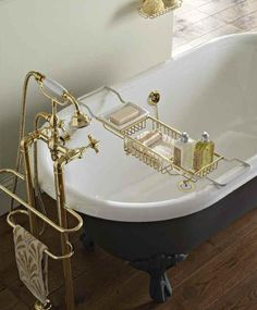Luxusní vana včetně doplňků http://www.saloncardinal.com/galerie-sbordoni-ec6