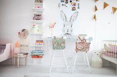 habitación infantil compartida tonos pastel
