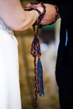 M's Star Wars Wedding by Jedilynn82, via Flickr and they have a handfasting ceremony! I want to do that!