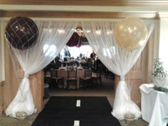 Entrance Way Hot Air Balloon Style, Jumbo Helium Balloons In Netting @ Palm City, Florida Golf & Country Club