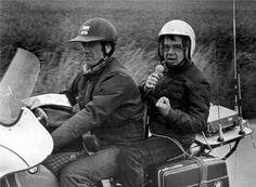 Radioverslag van Theo Koomen op de motor bij wieler wedstrijden.