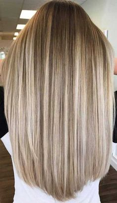 Blonde Hair Color Ideas Discover The Best Hair Color Trends and Styles for 2020 Looking for hair dye colors and fresh hair color ideas for a new season? With the changing of the seasons youll probably want to change your hair color too. Gorgeous Hair Color, Cool Hair Color, Beautiful Blonde Hair, Hair Colour, Summer Hairstyles, Cool Hairstyles, Blonde Hairstyles, Braid Hairstyles, Blonde Hair Looks