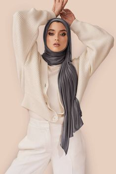 Not your ordinary jersey hijab. Our cult-favorite premium jersey is super-soft, effortless and made to last. Urban Street Fashion Photography, Vogue Fashion Photography, Creative Fashion Photography, Fashion Photography Inspiration, Hijab Chic, Mode Turban, Turban Hijab, Hijab Dress, Swag Dress