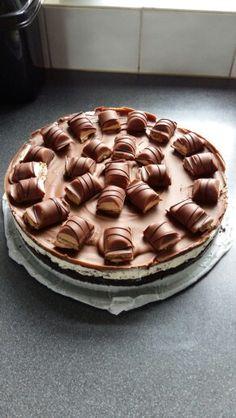 Milka-Oreo-KinderBueno-Nutella-cheesecake @geentroep http://jelmerdeboer.nl/milka-oreo-kinder-bueno-nutella-cheesecake/