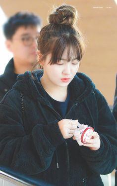 181103 off GMP to Jeju - Schedule for Jeju Hallyu Festival' Seulgi, Kpop Girl Groups, Korean Girl Groups, Kpop Girls, Mean Girls, These Girls, Red Velvet, Kim Yerim, Korean Bands
