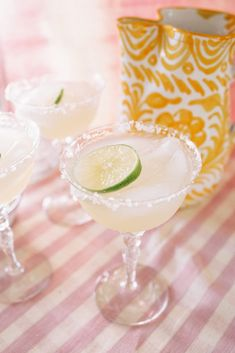 SIMPLE SUMMER EATS: MARGS! | Lucy Cuneo