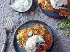 Banting courgette, spinach and cheese fritters Recipe - EatOut