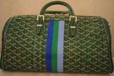 I like Goyard bags and green Now & Laters Goyard Handbags, Goyard Tote, Chanel Handbags, Louis Vuitton Speedy Bag, Louis Vuitton Damier, My Bags, Purses And Bags, Paris Shopping, Cloth Bags