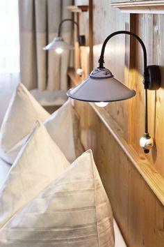 Heimelige Ferienwohnungen in Großarl // Homelike holiday apartments in Großarl Wall Lights, Ceiling Lights, Lighting, Home Decor, Appliques, Decoration Home, Room Decor, Lights, Outdoor Ceiling Lights