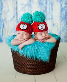 Newborns Who Really Nailed Their First Photo Shoot -- This inseparable duo:  --  chiphotographyofcharleston.com