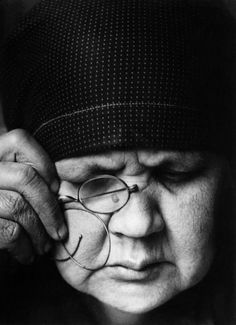 Alexander Rodchenko, Portrait of the Artist's Mother, Collection of the Moscow House of Photography Museum © A. Stepanova Archive © Moscow House of Photography Museum Alexander Rodchenko, Winterthur, Photomontage, Old Photography, Portrait Photography, Abstract Photography, Matt Hardy, Zar Nikolaus Ii, Revolution