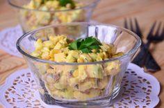 Салат с печенью трески сыром и кукурузой