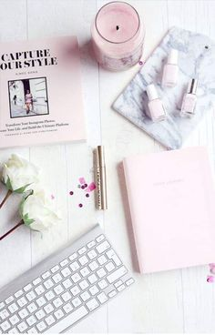 Flatlay, Pink flat lay, flatlay styling, flatlay inspiration, how to take a flat… Fall Inspiration, Flat Lay Inspiration, Motivation Inspiration, Design Set, Flatlay Instagram, Photo Pour Instagram, Instagram Story, Baby Pink Nails, Nail Pink