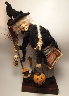 Handmade Witch By Kim Sweet~Kim's Klaus~ Handmade Broomstick~Clay Cat~Clay Jack-O-Lantern~Clay Skulls & Spell Book~She Is Giddy as She Gathers Supplies for Her Potions Retro Halloween, Halloween Diorama, Halloween Doll, Halloween Items, Halloween Witches, Dracula, Beautiful Witch, Vintage Witch, Witch Art