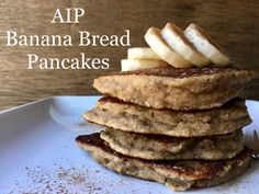 My favorite AIP Banana Bread Pancakes Banana Flour, Banana Bread, Breakfast Desayunos, Breakfast Recipes, Breakfast Ideas, Paleo Dessert, Aip Diet, Candida Diet, Keto Pancakes