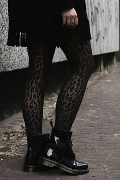 Trendy Ideas for dr martens boats outfit winter tights Dr. Martens, Doc Martens Noir, Style Doc Martens, Dr Martens Boots, Combat Boot Outfits, Winter Boots Outfits, Summer Outfits, Outfit Winter, Dr Martens Outfit